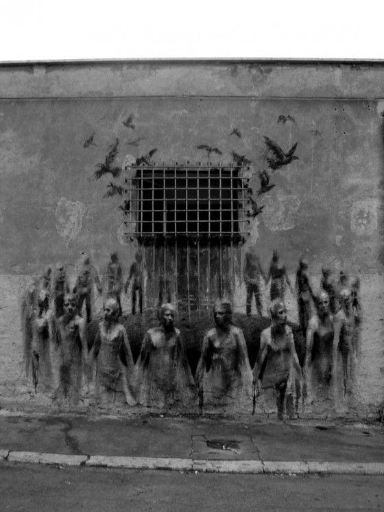 Borondo - Pittore e street artist spagnolo  Approvata la legge che costringe i richiedenti asilo nell'Ungheria di Orban a essere detenuti in campi di concentramento fino all'esame della domanda d'asilo.
