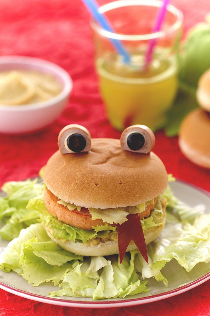 Si sa, all'#hamburger i bambini non resistono! Se poi lo trasformerete in ranocchia, non avanzeranno neanche le briciole ;)
