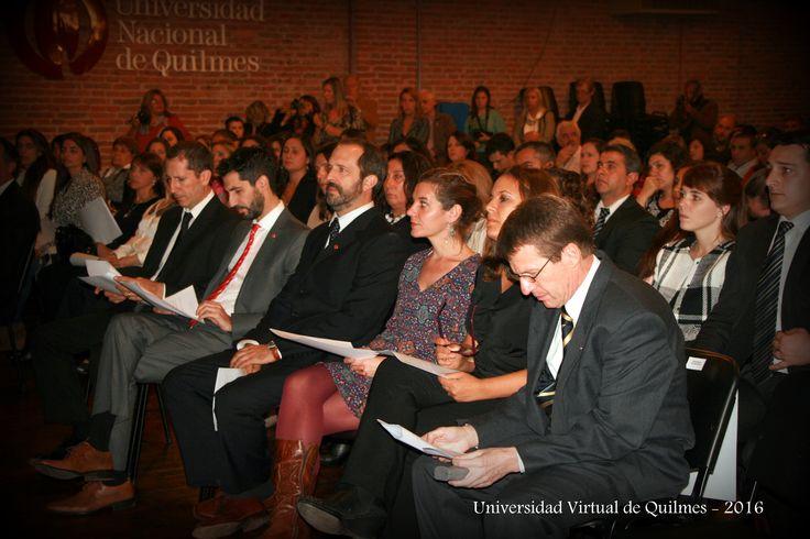 Directores de carrera (de izquierda a derecha): Lic. Sebastian Torre (Licenciatura en Administración), Mg. Leandro Martin (Tecnicatura Universitaria en Ciencias Empresariales), Lic. Ernesto Toffoletti (Licenciatura en Comercio Internacional), Lic. Cecilia Elizondo (Licenciatura en Educación), Mg. Alejandra Rodriguez (Licenciatura en Ciencias Sociales y Humanidades),Mg. Héctor Paulone (Contador Público Nacional).