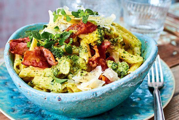 Unser beliebtes Rezept für Turbo-Pasta mit Brokkolipesto und mehr als 55.000 weitere kostenlose Rezepte auf LECKER.de.