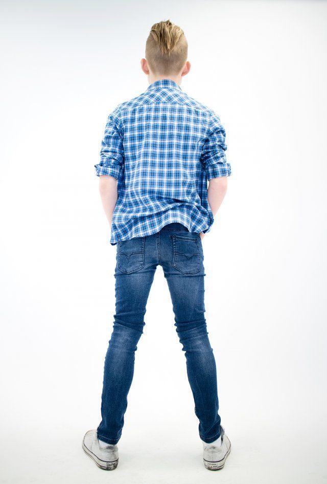 DIESEL SLEENKER JEANS. Jeans med god stretch. Klær for tenåringer og ungdom på nett. Fri frakt og rask levering! | Ask'n Foyn