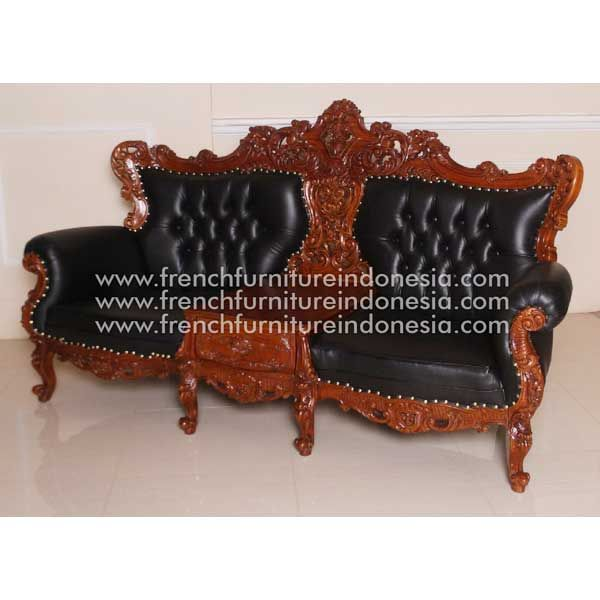 Buy Frederica Sofa from Classic Furniture Style. We are reproduction furniture 100% exporter Furniture manufacturer with french furniture style and good quality finishing. This Sofa is made from mahogany wooden with good quality and treatment process and the design has a strong contruction, suitable to your bedroom. #NaturalFurniture #MahoganyFurniture #AntiqueFurniture #GalleryFurniture #FurnitureOnline
