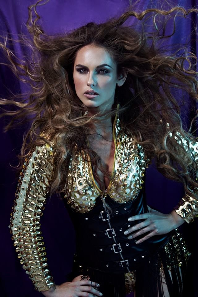 #beyonce #secret #victoriasecret #allure #allurecollection #bighair #volume #curls #tongs #sexy #fierce #bouncy #brunette #stunning #long #hair #hairstyle #hairtrends2014 #iwantthathair