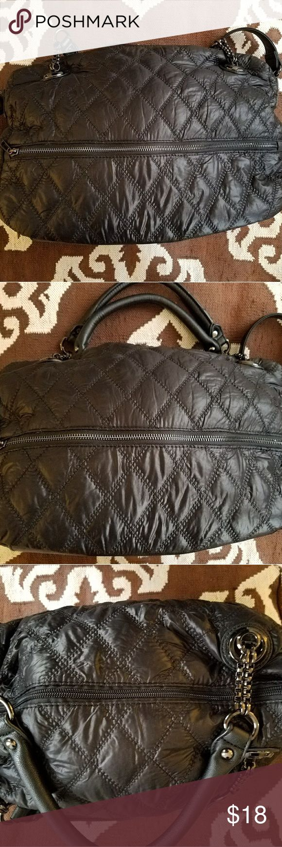 "Quilted light weight bag Quilted light weight bag.  Can be worn cross body  (long strap) or held with handles. Great metal hardware.  In like new condition.  No brand noted on bag. 17"" x 12.5"" Bags"