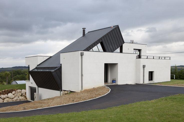 Habitation privée MI Vega, Layrac Agen (France) by Mr Grattieri Jean François  #anthra-zinc #zinc #architecture #house #france #maison #roofing #couverture