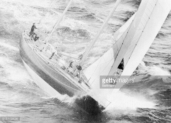 Photo d'actualité : Rough Sailing. Eric Tabarly's ketch, Pen Duick...
