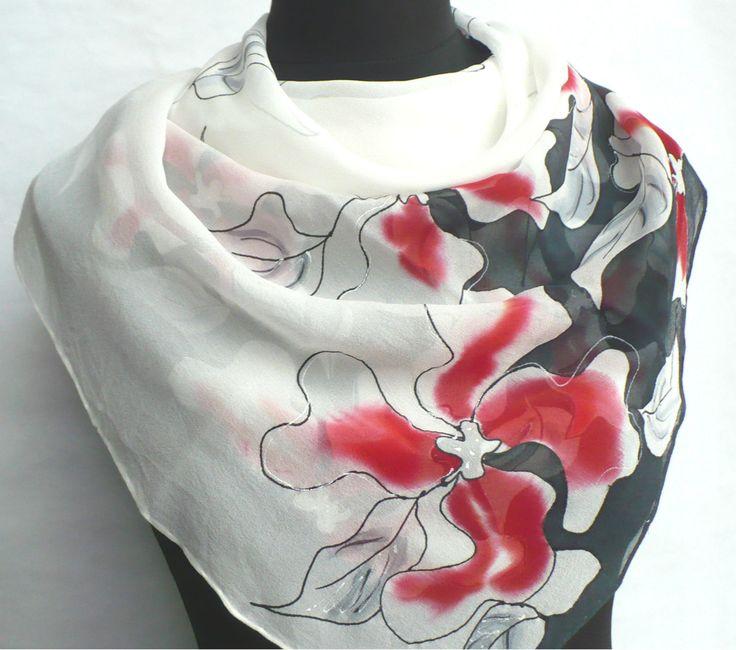 Šátek z hedvábného žoržetu.