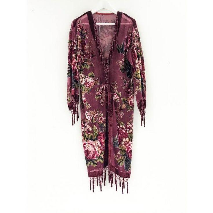 Kimono i lila sammet