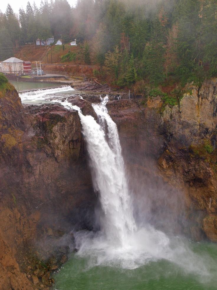 Seattle waterfall     Looks like Snoqualmie Falls Lodge.