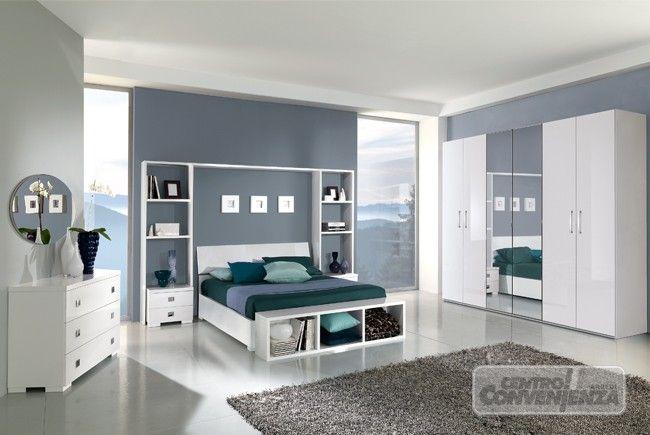 Camera  matrimoniale colore bianco laccato lucido con armadio 6 ante con 2 specchi centrali, letto contenitore, come foto (escluso materasso e coperture)