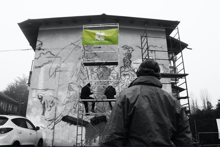 """""""Ognuno di noi è artista della propria vita: che lo sappia o no, che lo voglia o no, che gli piaccia o no.""""Zygmunt Bauman, Modernità Liquida Eddy One for URBAN ART FIELD - MANI SPORCHE #streetart #graffiti #urbanart #migrazioni #migranti #medusa"""