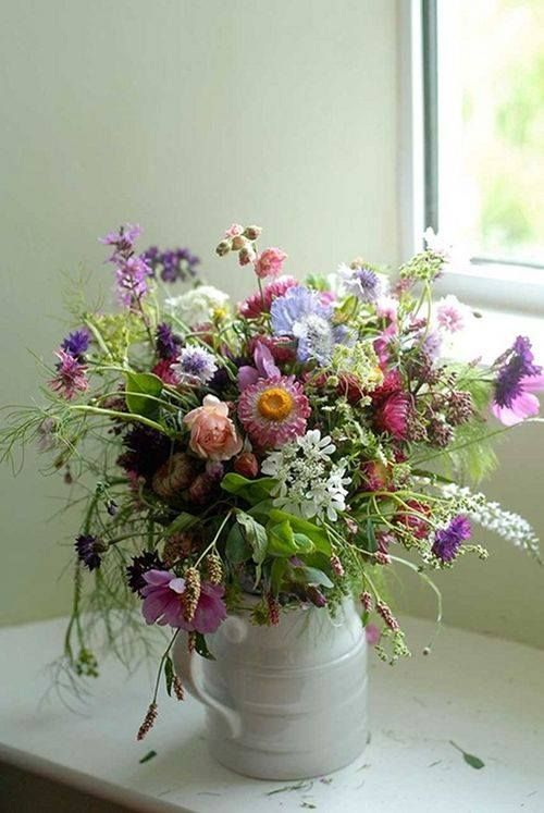 Soft colourful seasonal country flowers | The Garden Gate Flower Company in Cornwall | The Natural Wedding Co