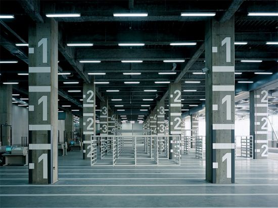 TAKEO Tokyo Bay Distribution Center - Wayfinding | Hiromura Design Office http://www.hiromuradesign.com/#/works47/