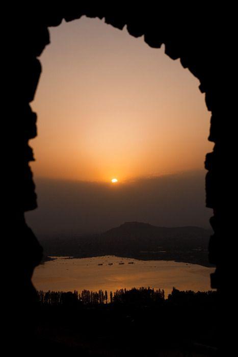 Beautiful portals: Sunri India, Beautiful Frames, Window, Breathtak Sunsets, Sunri Sunsets Sky Univ, Sunrises Sunsets Sky Univ, Sunrise Sunsets, Beautiful Portal, Sunsets Sunri