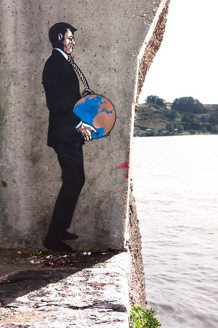 Weight of the world - Street art