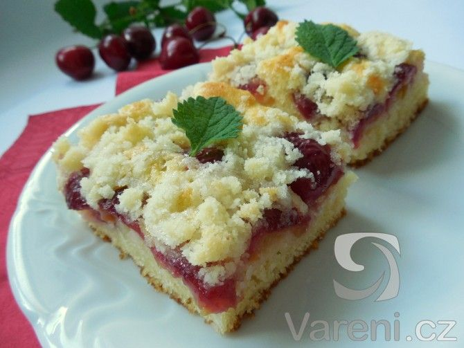 Recept na luxusní ovocný koláč, který se přímo rozplývá na jazyku!