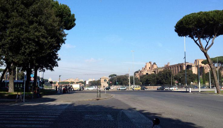 Blick über die Piazza Capena zum Circus Maximus