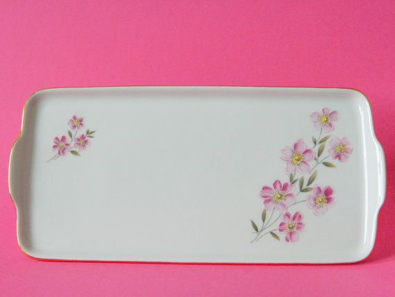 Beautiful vintage cake plate by HUTSCHENREUTHER Arzberg