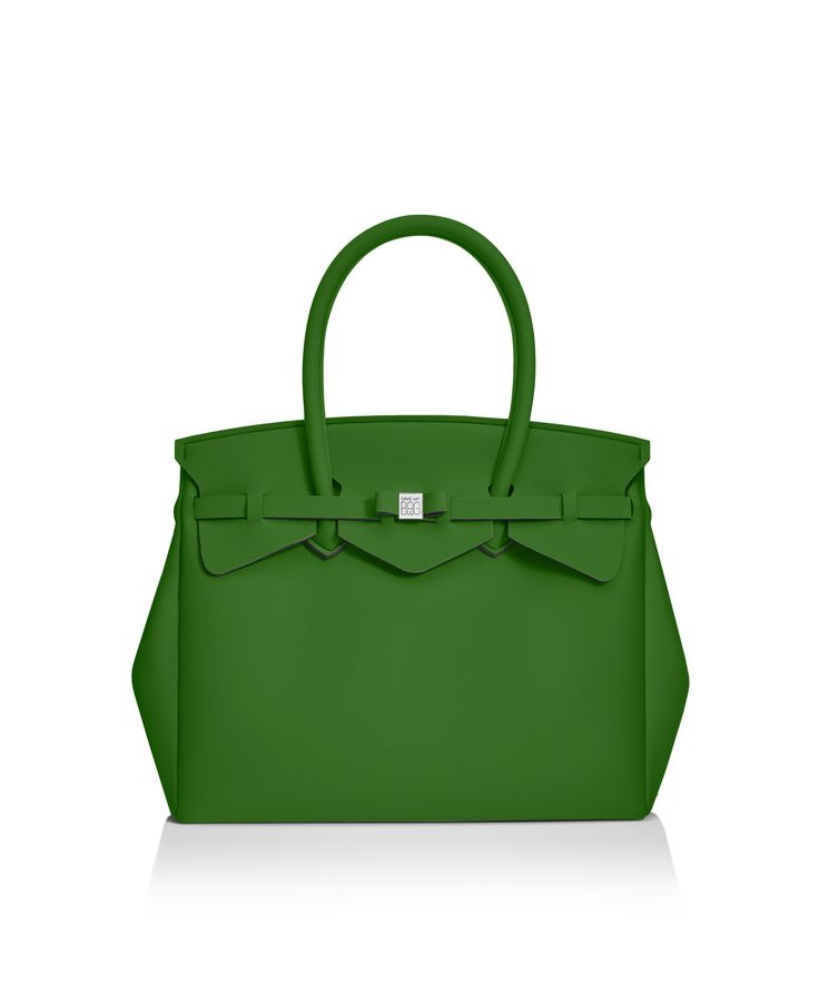 Our iconic tote just got bigger! The Miss 3/4 is the roomier version of our iconic tote. Perfect for women who never have enough room! Light, versatile and available in 30 colours.  Size  395 x 340 x 190 mm  510g  Made in Italy  Vegan Friendly  Made from Poly-Lycra Fabric   Pine Green