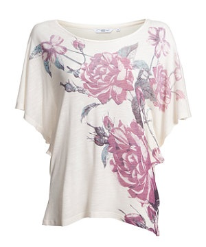 Stay pretty in pastels with this floral print batwing tee. £5.99  #NewLookFashion