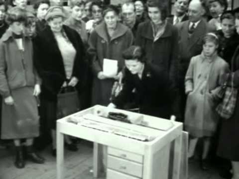 11; 1955: Huishoudbeurs