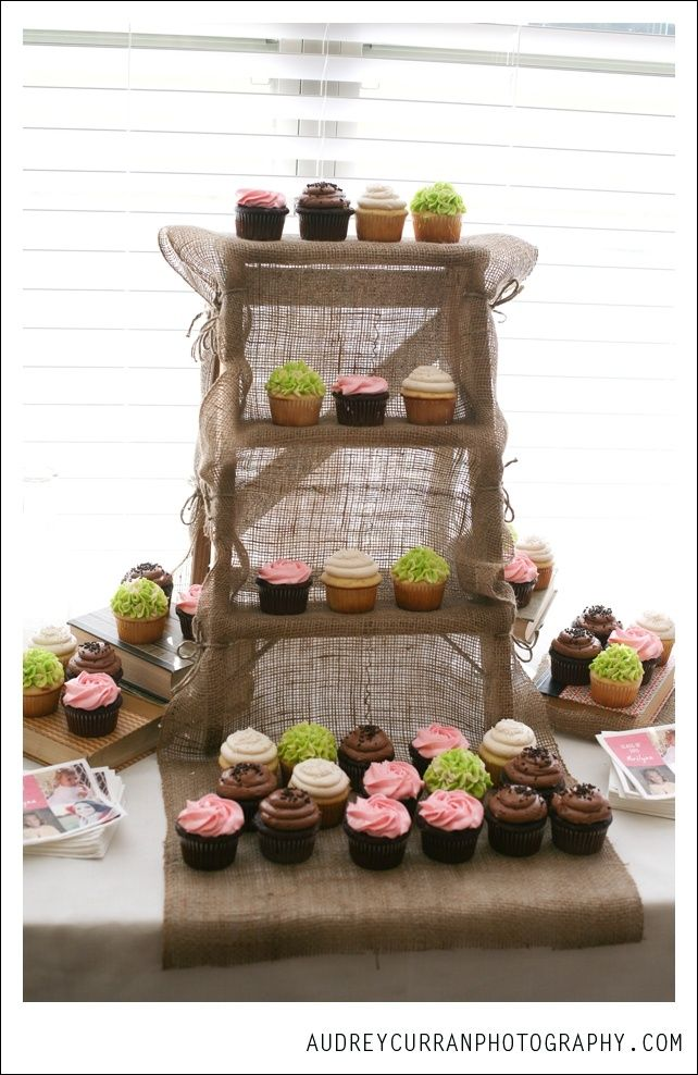how to make cupcakes stick to a board