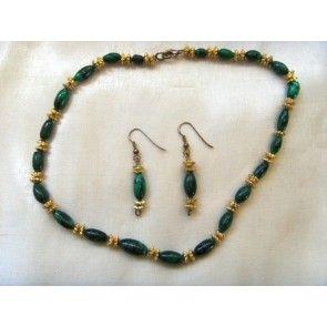 Malachite necklace w gold rose beads, 42cm