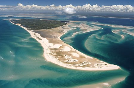 While volunteering in MOZAMBIQUE, don't miss the opportunity to explore the Bazaruto Archipelago, a group of 6 breathtaking islands in Mozambique. Find out more: http://www.vwbinternational.org/