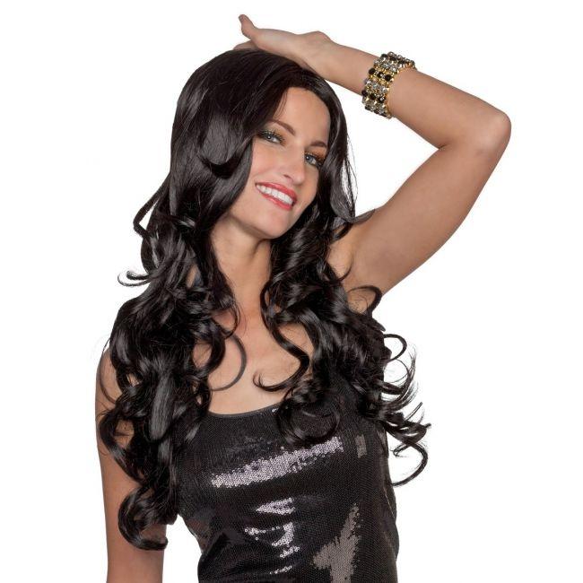 Luxe verstelbare zwarte damespruik  Luxe zwarte pruik met krullen. Zwarte pruik met lang krullend haar. De luxe pruik kan met de hand gewassen worden en de hoofdomvang kan versteld worden.  EUR 39.95  Meer informatie