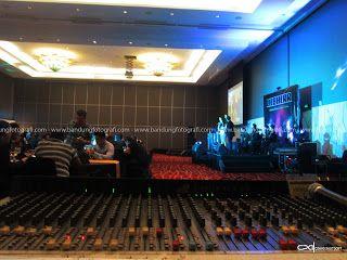 Suasana disebuah Event Gala Dinner at Hilton Hotel Bandung March 5 2016 #bandungfotografi #jasafotodokumentasi #jasafotoevent #jasafotoartist #jasafotogroupBand #jasafotoGroupDancer #jasafotostage