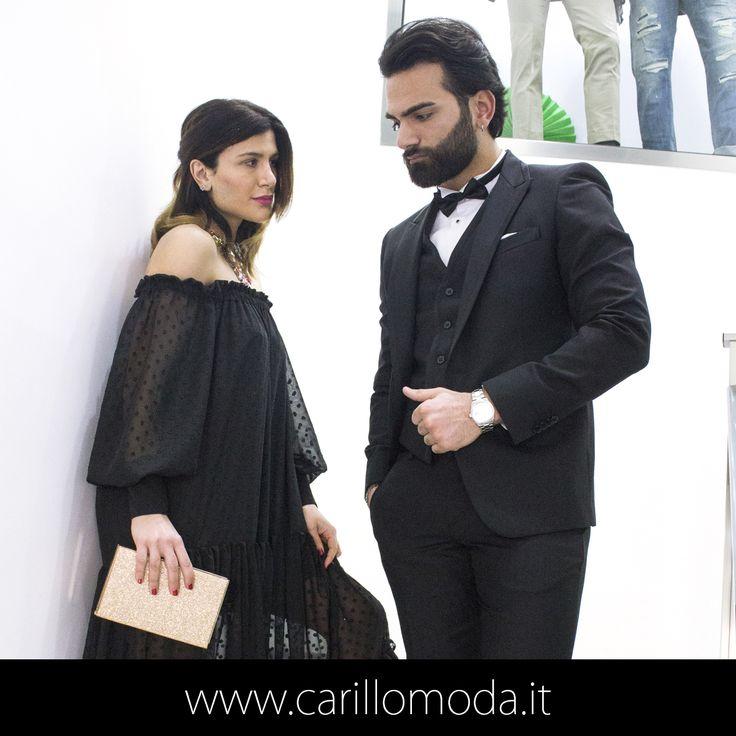 Outfit elegante: ABITO TAGLIO SMOKING TINTA UNITA CON REVERS LUCIDO Gilet nero Camicia bianca Papillon Outfit Cerimonia Uomo 2017 #nero #black #dress #ewdding #day #ideas