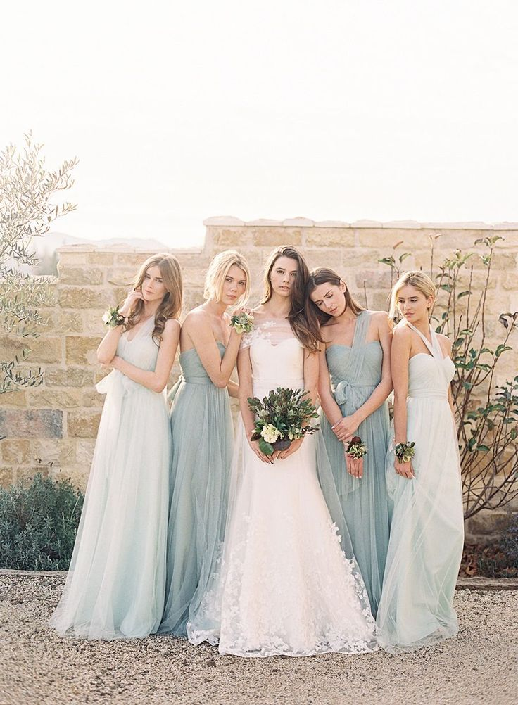 Okay so I really like this colour scheme if the end dresses were a shade of mint and the grey dresses took on a more dark mint-blue colour