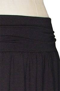 How to make a gathered jersey skirt.  I love this fabric and style: so comfy and super cute!