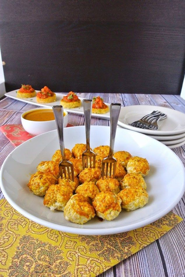 Mini Indian meatballs with curry coconut sauce- might try with vegan meatballs