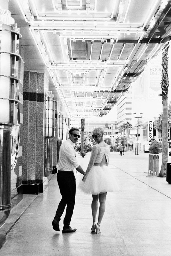 Little Vegas Wedding | Hip Engagement Session in Downtown Las Vegas | Kel Ward Photography | http://www.littlevegaswedding.com