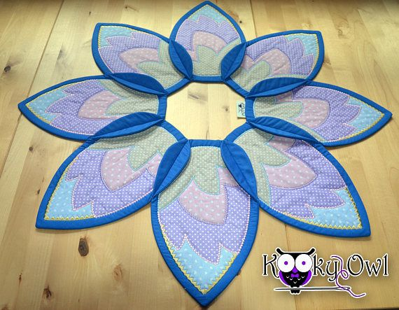 Big Lotus Table Topper quilted and embroidered