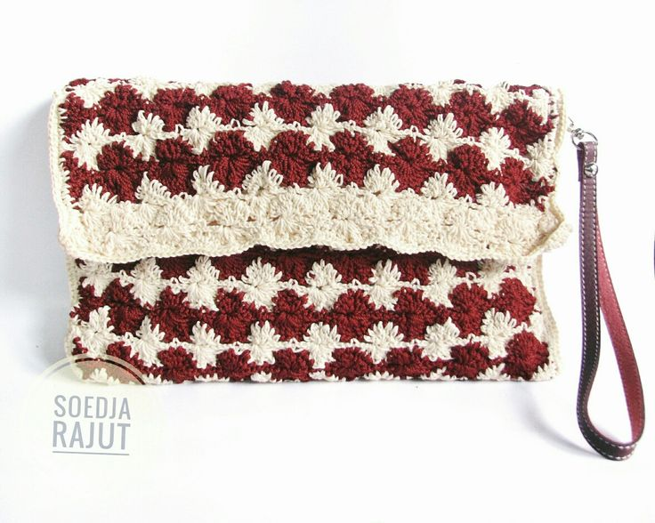 Crochet envelope pouch in quilt pattern in cream and red color made by soedja rajut