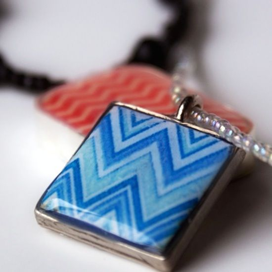 Are you looking for a unique jewelry idea using Mod Podge Dimensional Magic? Johnnie made this Missoni inspired chevron pendant with DM and clay.
