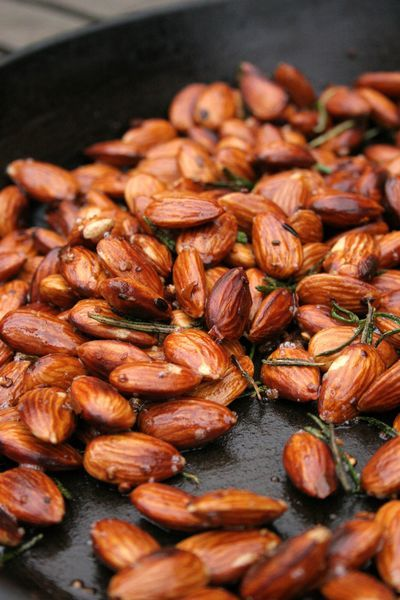 Garlic rosemary chilli almonds: the perfect little nosh.