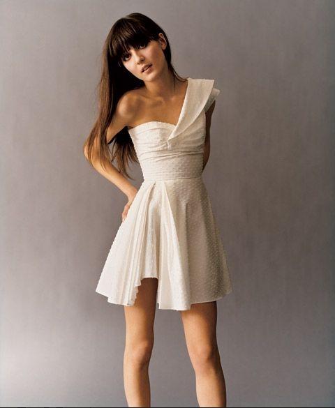 plain 5 Plain white dress to be dynamic style