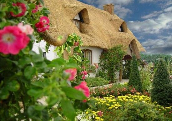 Thatched Roof Garden Cottage. Found photo through Babbles 25 Storybook Cottages Post: http://blogs.babble.com/family-style/2011/08/09/living-in-a-fairytale-the-worlds-25-most-magical-storybook-cottage-homes/?pid=2862#slideshow: Dreams Houses, Country Cottages, Cottages Gardens, English Cottages, Fairies Houses, English Countryside, Thatched Cottages, Little Cottages, Fairies Tales