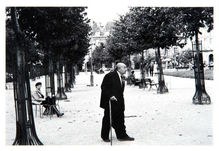 Kineo KUWABARA :: 1978. 〈人間都市パリ〉より 1978年   ゼラチン・シルバー・プリント   世田谷美術館蔵