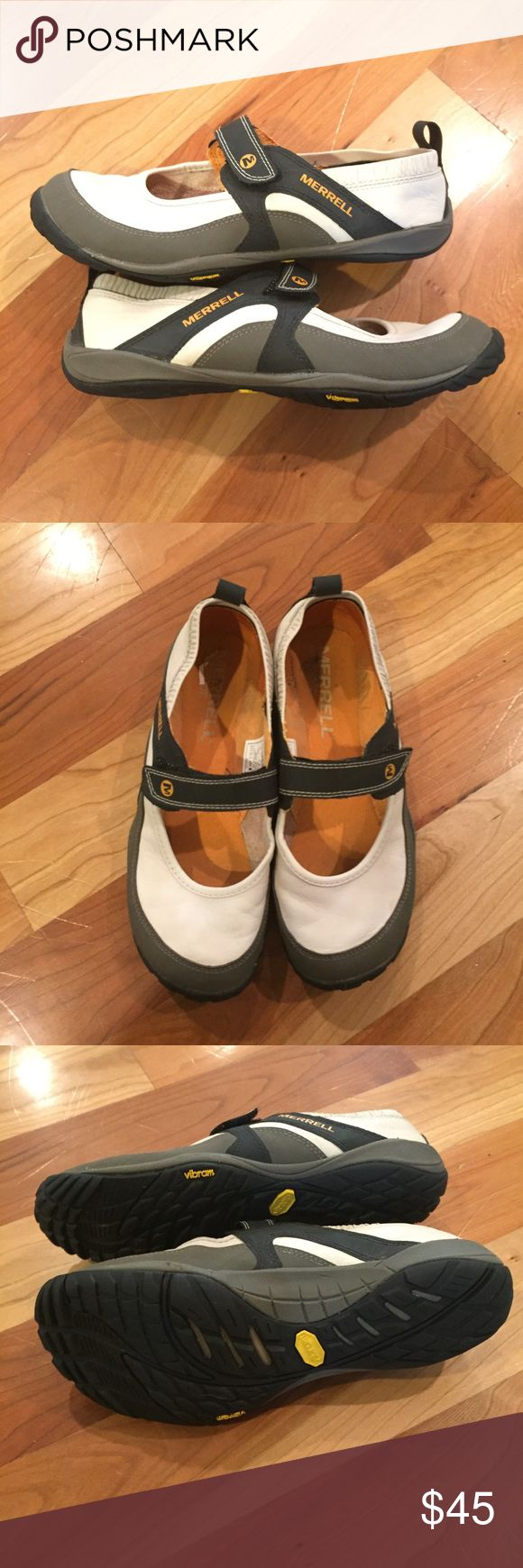 Leather Merrill Shoes like new! These shoes are in excellent condition and so comfortable. Feel free to ask me any questions you have! Merrell Shoes