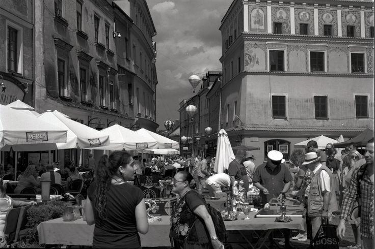 https://flic.kr/p/WxXstd | Street Fair V | Lublin, Poland (C) 2017 Minolta X-700 Minolta 50mm F1.7 Rollei Retro 80s Ilfotec L29 reflecta ProScan 10T  different.photography