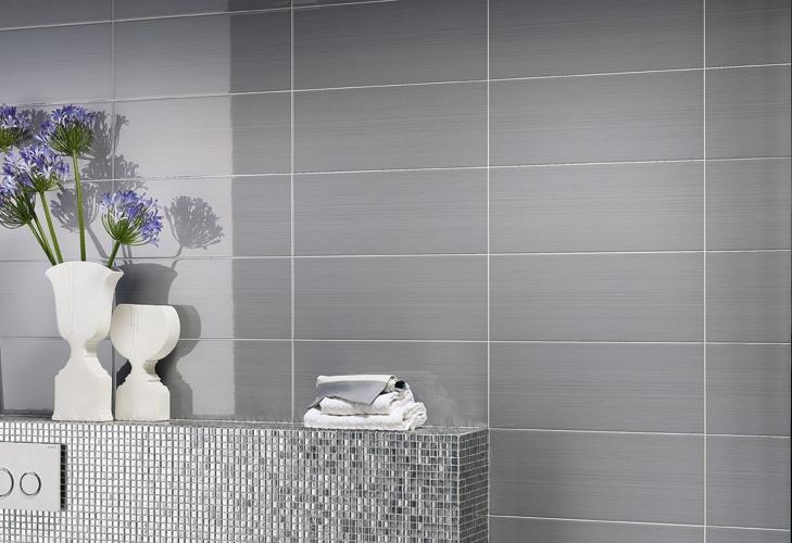 Piastrella bagno rigata super lucida rivestimenti bagno - Piastrella bianca lucida ...