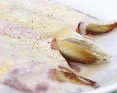 Endives au jambon et à la béchamel légère : http://www.fourchette-et-bikini.fr/recettes/recettes-minceur/endives-au-jambon-et-a-la-bechamel-legere.html