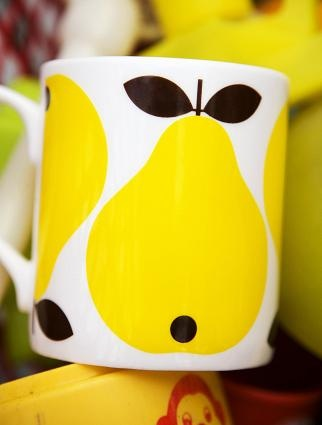 Another sweet mug from Lotta Kühlhorn with pears. (image:www.forr.se)