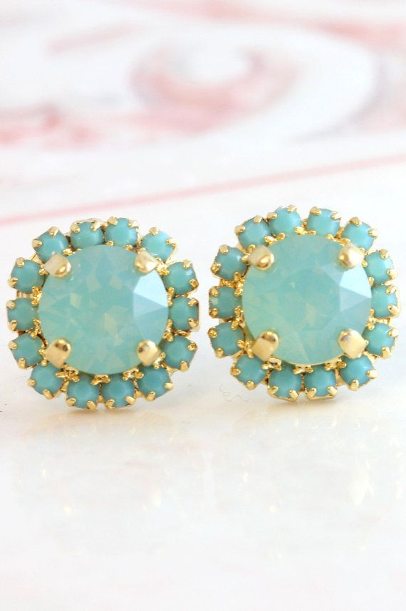 Mint Earrings,Turquoise Earrings,Mint Crystal Swarovski Stud Earrings,Gift for her,Bridesmaids Earrings,Turquoise Crystal Stud Earrings.  Petite Delights