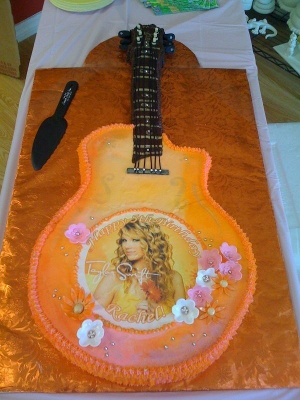 Taylor Swift Cakes- Nat's cake inspiration... will see how I do. Now to figure out how to do the picture- not enough time to buy edible paper/ink.
