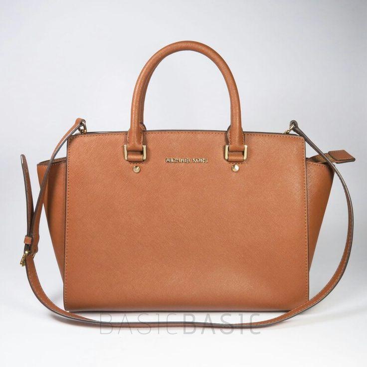 Preloved  Michael Kors Handbag Selma - Big Size Style #: 30S3GLMS7L Bought at Banananina Jakarta   IDR 3.000.000 (net)  #authentic #michaelkors #bag #branded #preloved